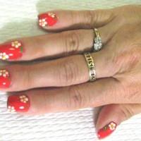 nails_daisies